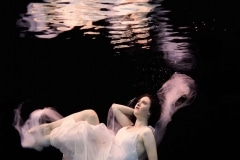 Unterwasser Model-Fotoshooting mit Sarah - Fotograf Oliver von Guerard
