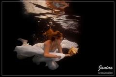 Hochzeits Unterwasser Fotoshooting
